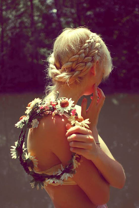 flower-crown-with-milkmaid-braid-coachella-hair